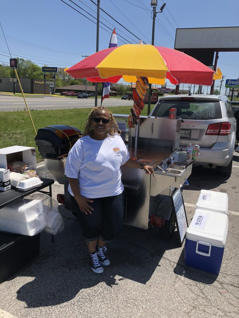 gigi's hot dog vendor critique
